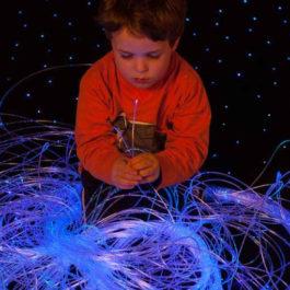 5W-LED-Sensory-Lights-Fibre-optics-for-Babies-200-Strand-0.75mm-Sparkle-Fiber-Optic-2.5M-Long-768x511